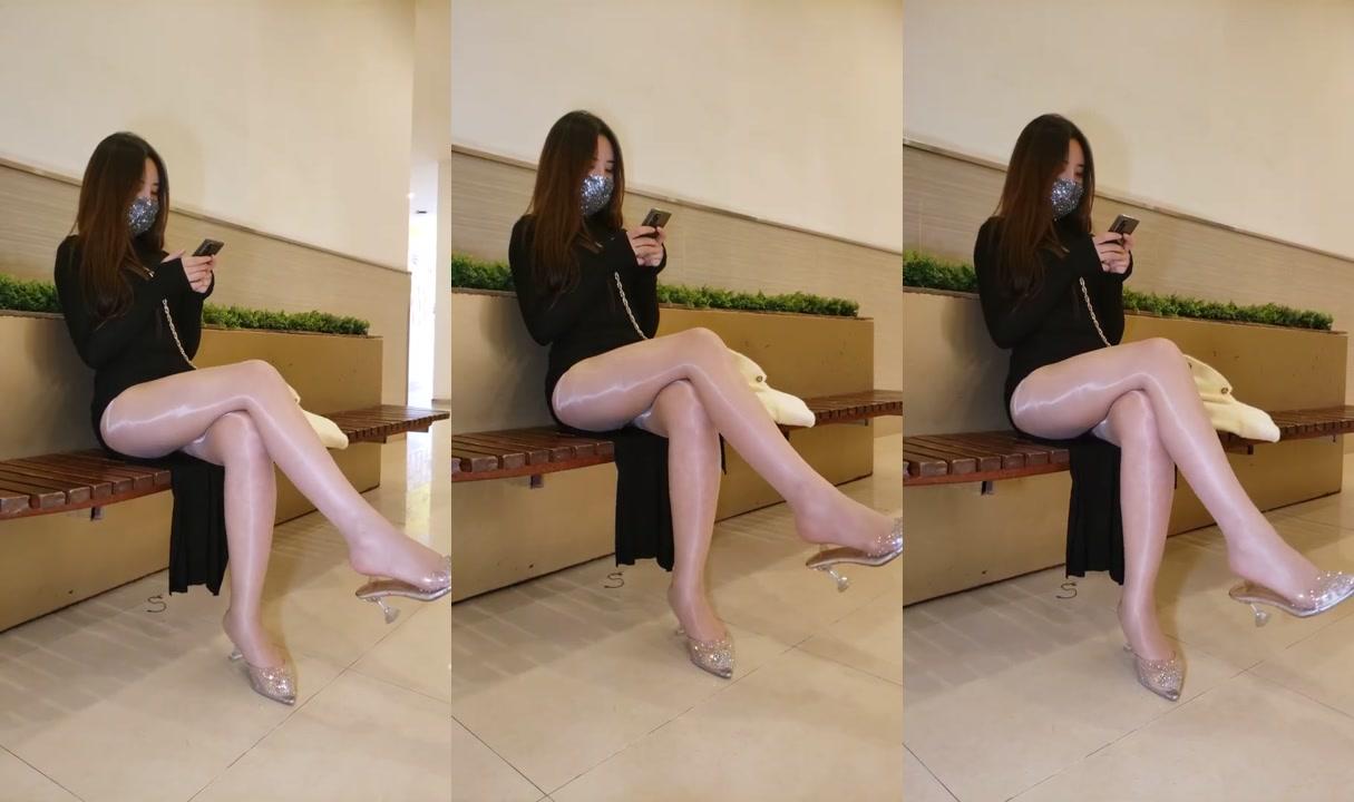 高清美女街拍(HD)2高开叉裹身裙油亮丝袜翘臀美腿高跟鞋