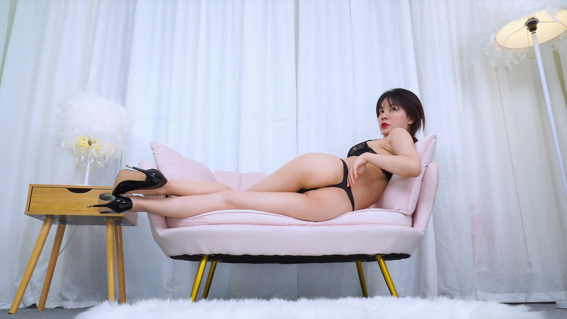 【维拉Villa可儿】沙发上性感慢摇热舞