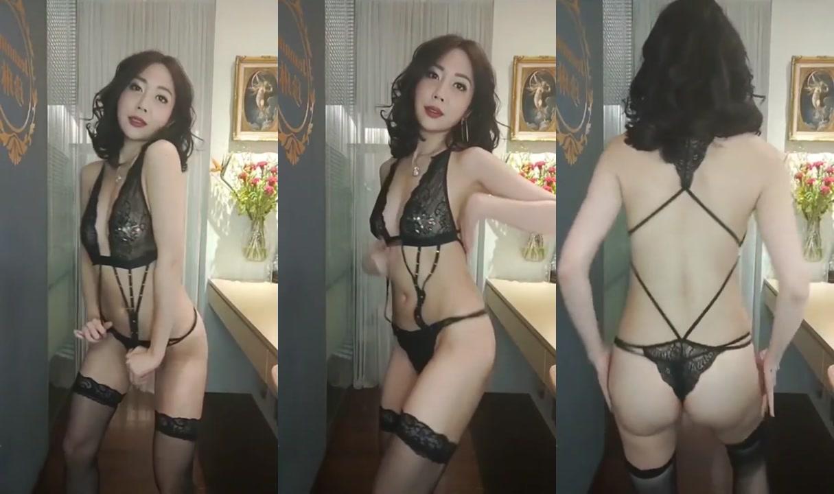 珍琳穿內衣跳脫衣舞4
